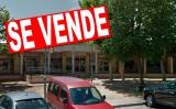 """INVIED cuelga el cartel de """"se vende"""" en la antigua panadería deEncarna"""